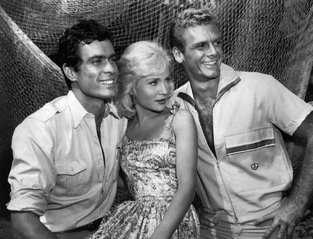 Gardner_McKay_Susan_Oliver_Guy_Stockwell_Adventures_in_Paradise_1961