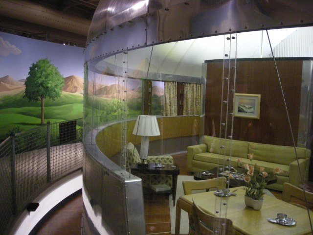 Henry_Ford_Museum_August_2012_11_(Dymaxion_House)